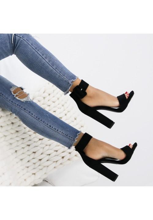 Sandałki Klasyczne Czarne Zamszowe Pinka