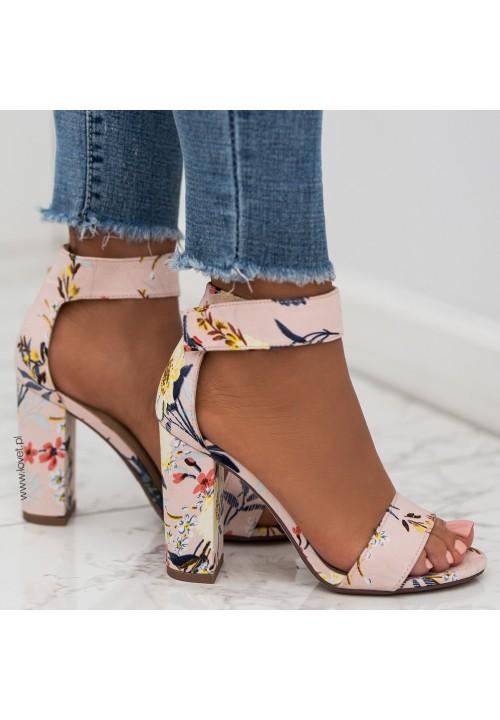 Sandały na Słupku Różowe w Kwiaty Chiara