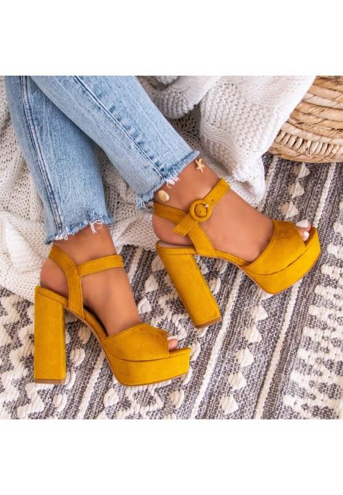 Sandałki na Platformie Zamszowe Żółte  Lettice