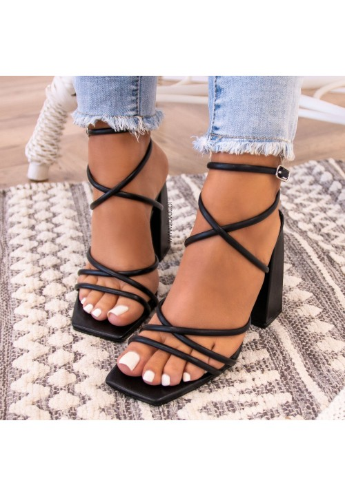 Sandałki Czarne Na Słupku Sallis