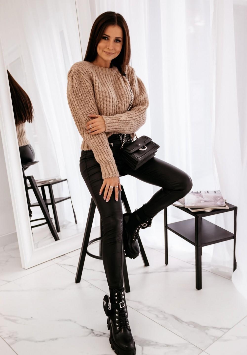 Beżowy Klasyczny Sweter  Magnus