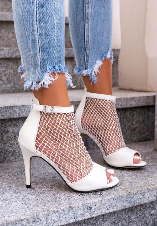 Sandałki Na Szpilce Zdobione Cyrkoniami Białe Jessi