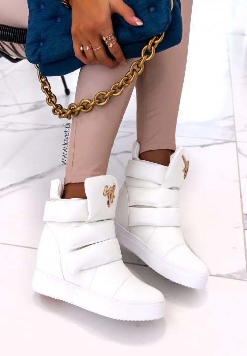 Trampki Sneakersy na Koturnie z Ozdobną Klamrą Białe Lucja