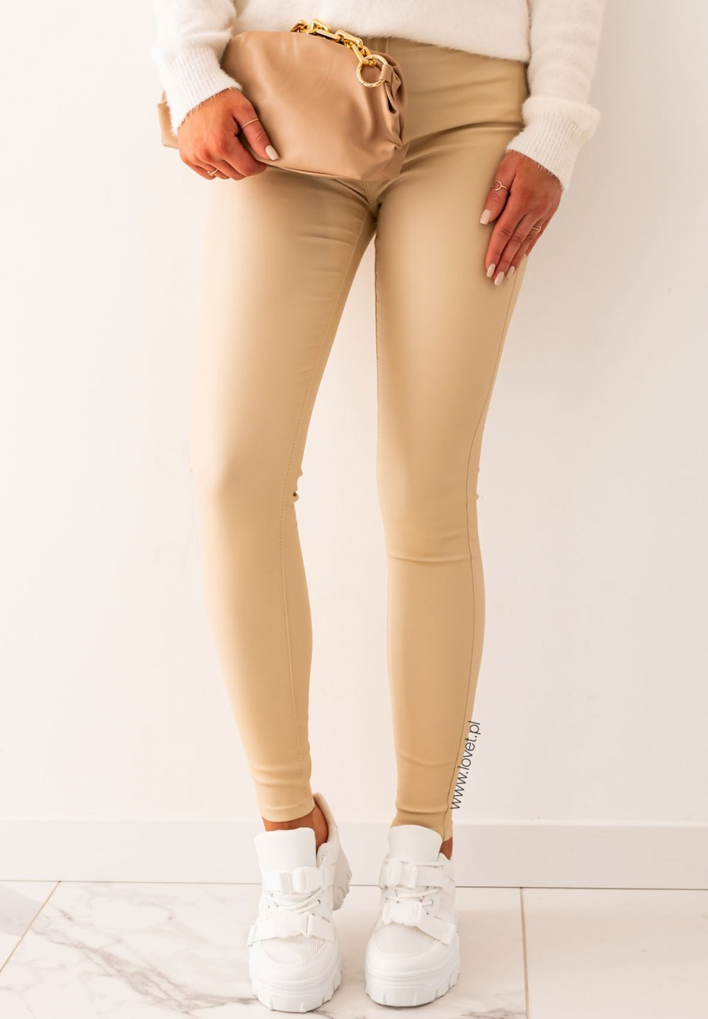 Spodnie Rurki Woskowane Beżowe Darlin