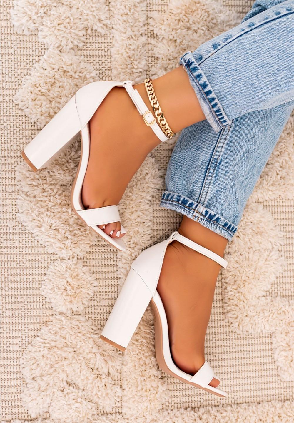 Sandałki na Słupku Białe Samantha