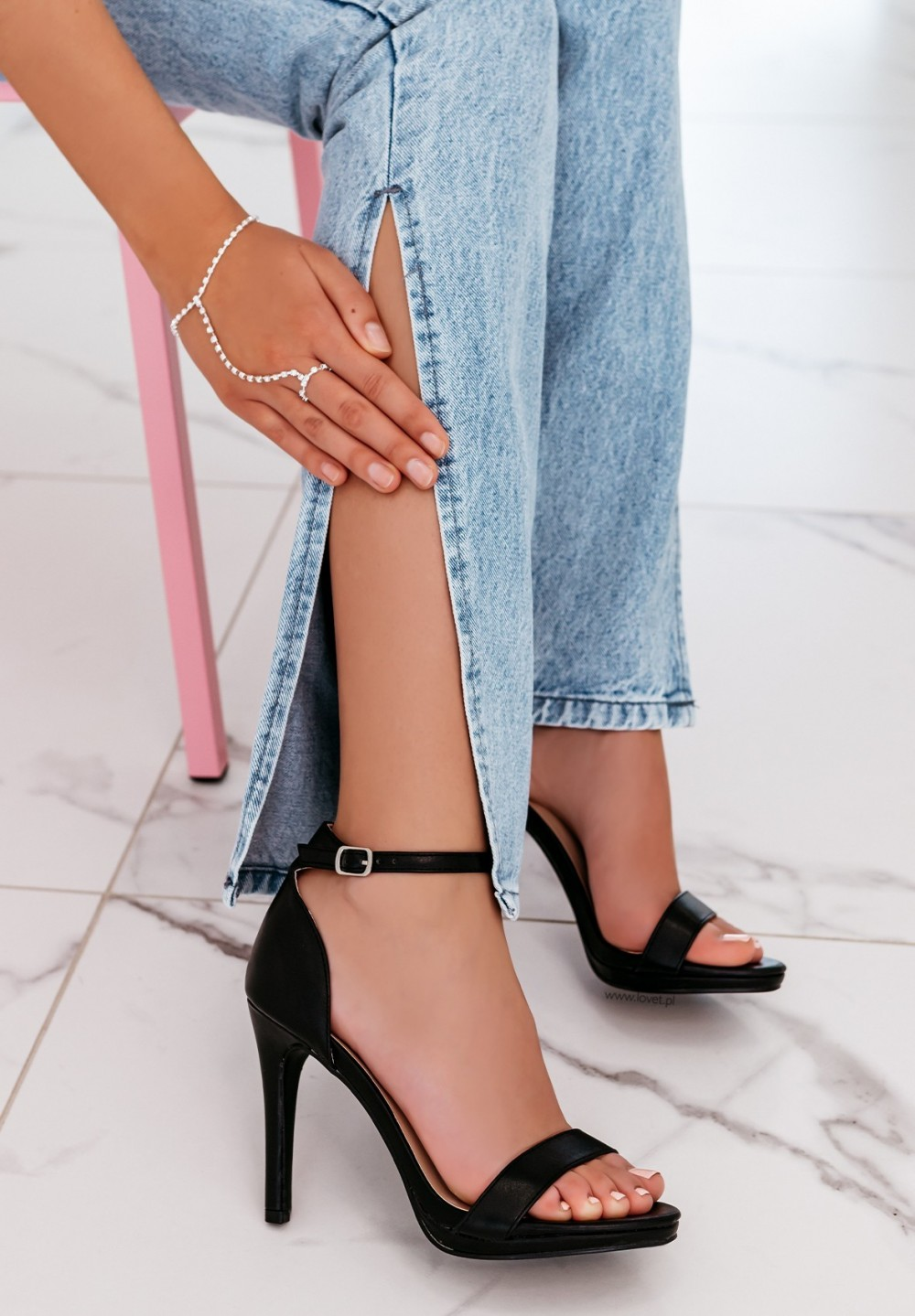 Sandały Na Szpilce Czarne Roy